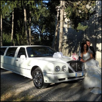 Affittare limousine festa cerimonia matrimonio sposi